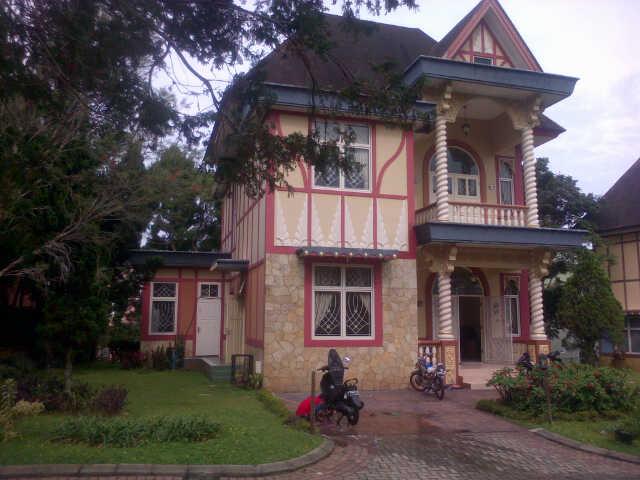 Dijual Villa kota bunga type birmingham
