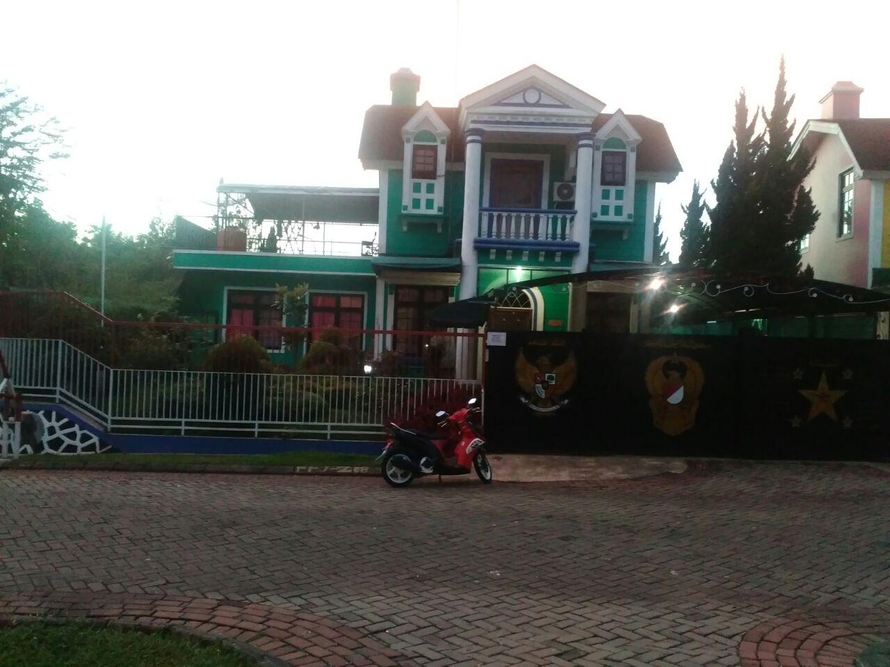 Villa orlando 3 kamar kota bunga puncak dekat wisata little venice cipanas