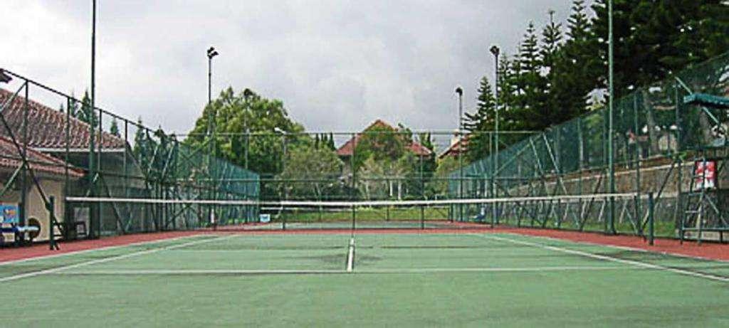 Lapang Tenis Kota Bunga
