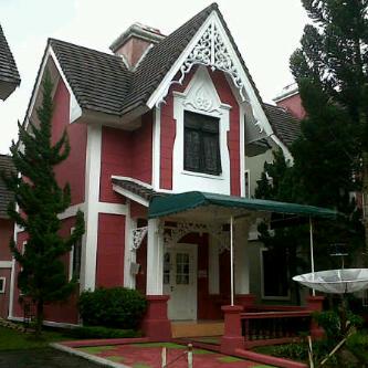 sewa villa kota bunga puncak 3 kamar type stockholom