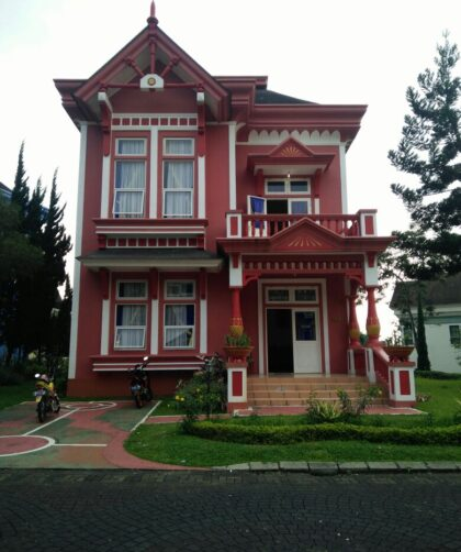 Villa di cipanas puncak kota bunga type quen elisabeth 4 kamar tidur